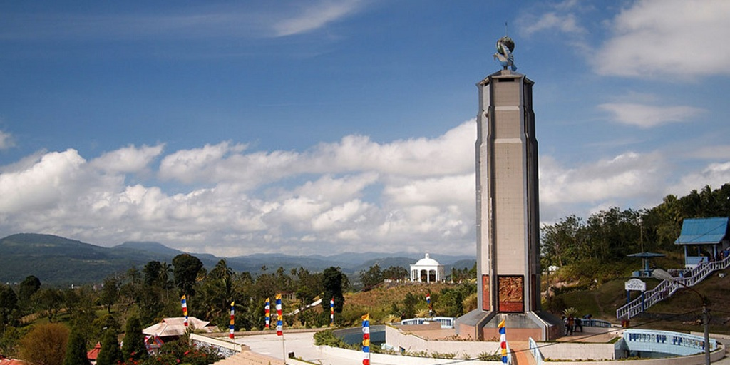 Bukit Kasih: Obyek Wisata Lintas Iman Minahasa