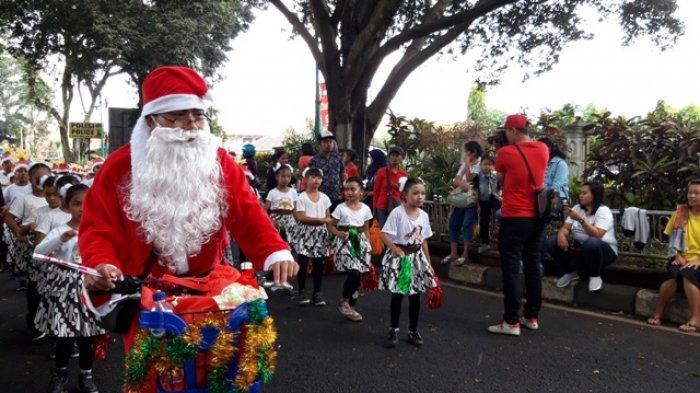 Meriahnya Parade Natal di Salatiga