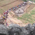 Bangun Pura Bersama di Desa Krisik