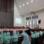 """Saat Siswa SD Islam dan Kristen Bertemu dan Ditutup Lagu """"Satu Nusa Satu Bangsa"""""""