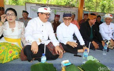 Wagub Bali Peringati Saraswati Bareng Umat Hindu di Banyuwangi