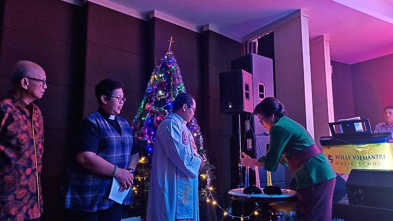 Perayaan Natal Persatuan Umat Kristen & Katolik Dihadiri Tokoh Lintas Agama