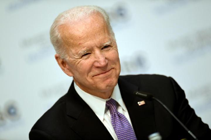 Calon Wapres Biden Mundur untuk Beri Ruang Kandidat Kulit Hitam