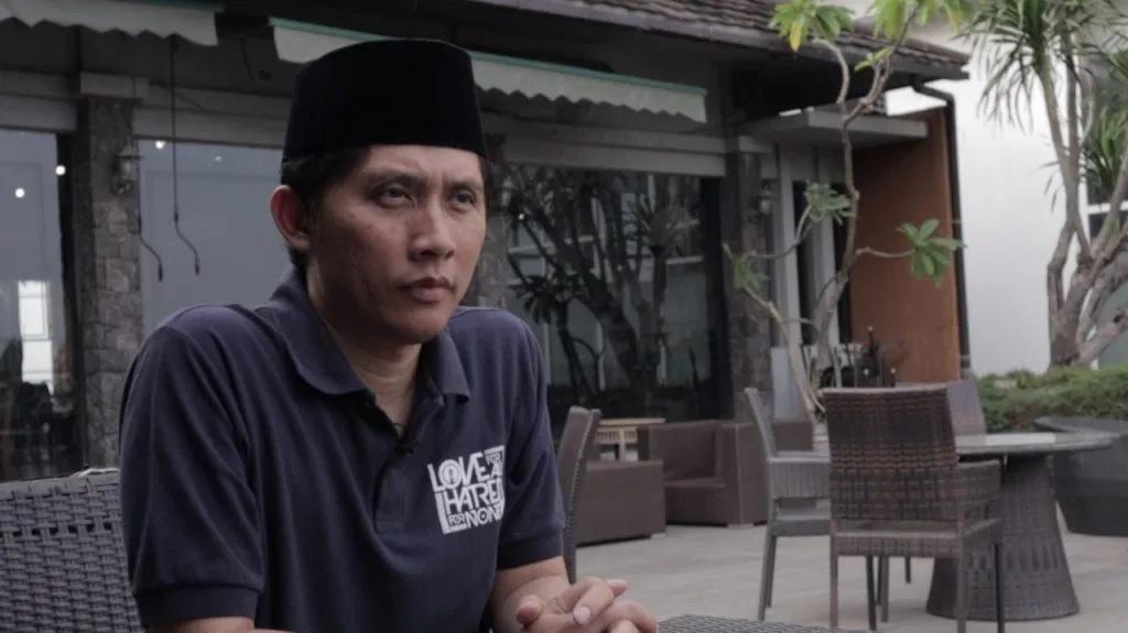 Pelarangan Kegiatan Keagamaan dan Pelanggaran KBB Terhadap Ahmadiyah
