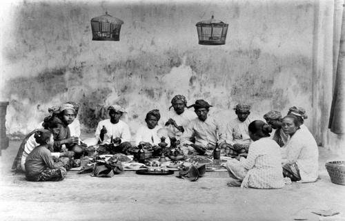 Mengenal Agama Lokal Nenek Moyang